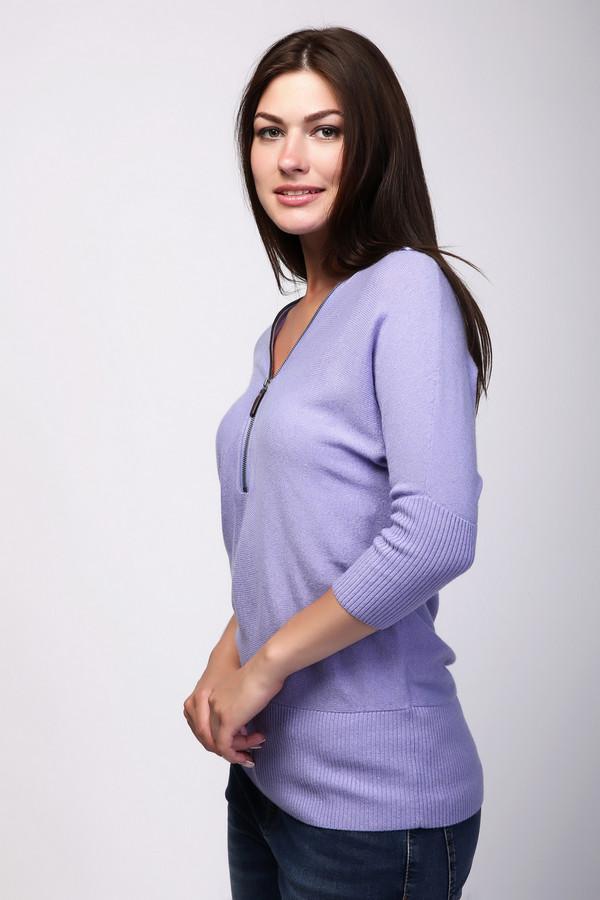 Пуловер PezzoПуловеры<br>Сиреневый пуловер прилегающего кроя от бренда Pezzo выполнен из приятного на ощупь трикотажа. Изделие дополнено: оригинальным v-образным воротом, застежкой на молнии и укороченными рукавами 3/4. Модель согреет в холодную зимнюю погоду. При этом, он выглядит стильно. Сочетается с брюками и юбками.<br><br>Размер RU: 48<br>Пол: Женский<br>Возраст: Взрослый<br>Материал: вискоза 33%, полиамид 23%, шерсть 20%, хлопок 20%, кашемир 4%<br>Цвет: Сиреневый