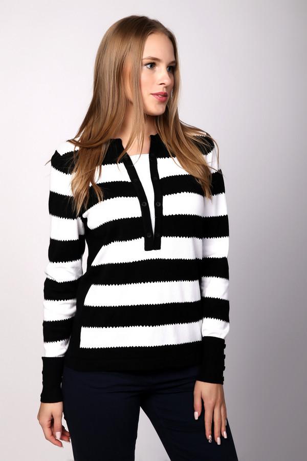 Пуловер PezzoПуловеры<br>Черно-белый полосатый пуловер от бренда Pezzo прилегающего кроя выполнен из приятного на ощупь трикотажа. Изделие дополнено оригинальным круглым воротом с v-образной вставкой и длинными руками. Полосатый принт является классическим принтом, который без труда можно сочетать с любыми элементами вашего гардероба.