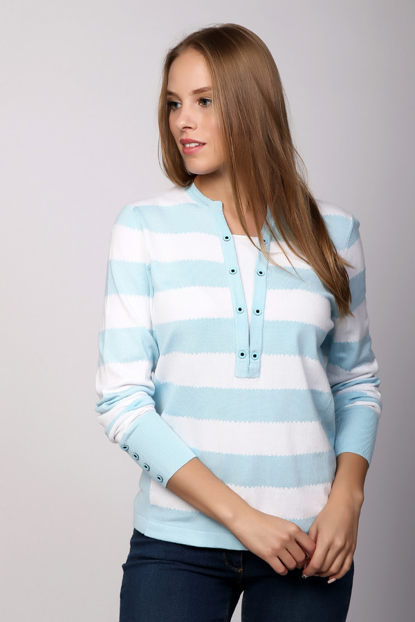 Пуловер PezzoПуловеры<br><br><br>Размер RU: 44<br>Пол: Женский<br>Возраст: Взрослый<br>Материал: полиамид 32%, вискоза 68%<br>Цвет: Голубой
