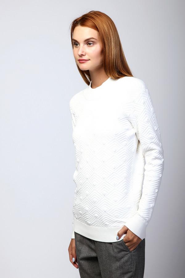 Пуловер Just ValeriПуловеры<br><br><br>Размер RU: 50<br>Пол: Женский<br>Возраст: Взрослый<br>Материал: эластан 2%, полиамид 17%, вискоза 81%<br>Цвет: Белый