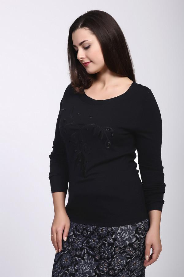 Пуловер PezzoПуловеры<br>Пуловер женский черного цвета фирмы Pezzo. Модель выполнена прямым фасоном. Изделие дополнено округлым воротом, втачными, длинными рукавами. На передней части расположена вышивка. Состав ткани: 46% вискоза, 35% полиамида, 19% шерсти. Комбинировать можно с различным юбками, брюками.