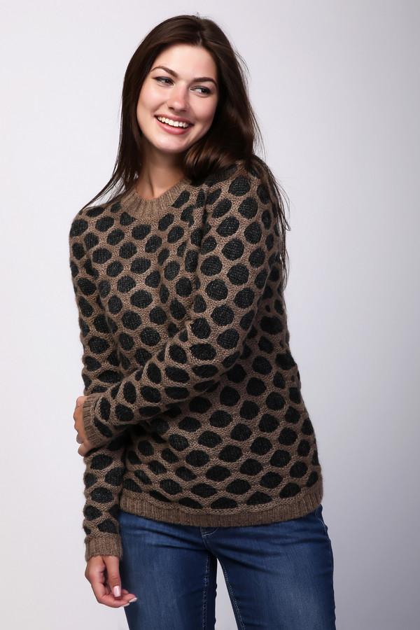 Пуловер PezzoПуловеры<br>Пуловер женский бежевого цвета фирмы Pezzo. Модель выполнена прямым фасоном. Изделие дополнено округлым воротом, втачными, длинными рукавами. Ткань состоит из 30% нейлона, 55% акрила, 15% мохера. Комбинировать можно с различными брюками.