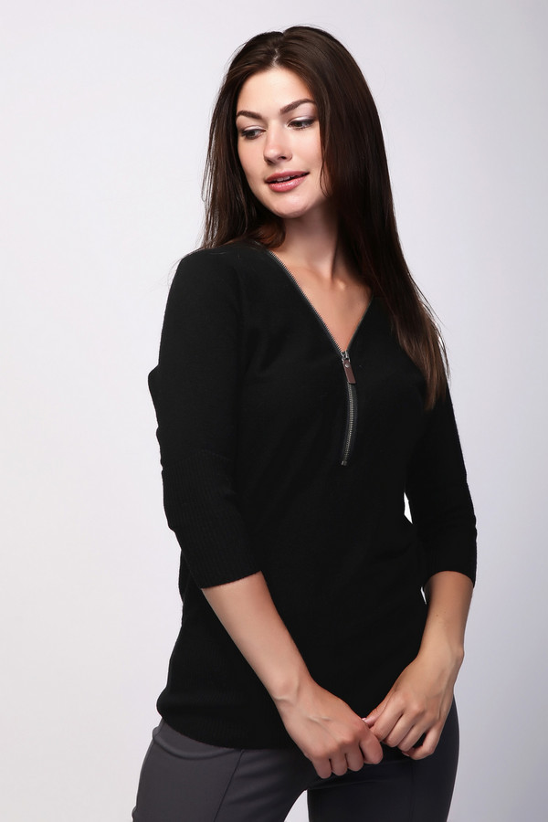Пуловер PezzoПуловеры<br><br><br>Размер RU: 48<br>Пол: Женский<br>Возраст: Взрослый<br>Материал: вискоза 33%, полиамид 23%, шерсть 20%, хлопок 20%, кашемир 4%<br>Цвет: Чёрный