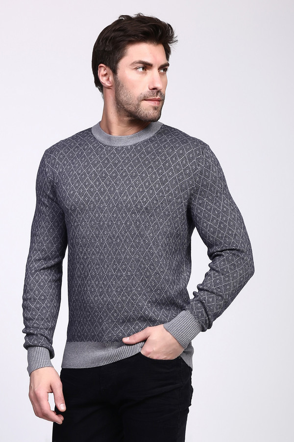 Джемпер PezzoДжемперы и Пуловеры<br><br><br>Размер RU: 52<br>Пол: Мужской<br>Возраст: Взрослый<br>Материал: вискоза 55%, полиамид 22%, шерсть 23%<br>Цвет: Серый