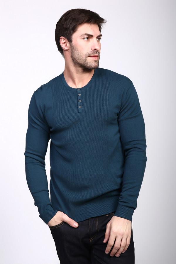 Джемпер PezzoДжемперы и Пуловеры<br>Джемпер мужской зеленого цвета фирмы Pezzo. Модель выполнена прямым фасоном. Изделие дополнено круглым воротом, втачными, длинными рукавами, застежка на пуговицы. Ткань состоит из 46% вискозы, 35% полиамида, 19% шерсти. Комбинировать можно с различными брюками.
