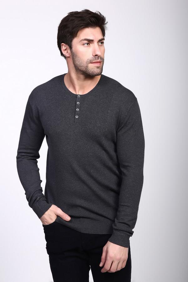 Джемпер PezzoДжемперы и Пуловеры<br>Джемпер мужской серого цвета фирмы Pezzo. Модель выполнена прямым фасоном. Изделие дополнено круглым воротом, втачными, длинными рукавами, застежка на пуговицы. Ткань состоит из 46% вискозы,35% полиамида, 19% шерсти. Комбинировать можно с различными брюками.