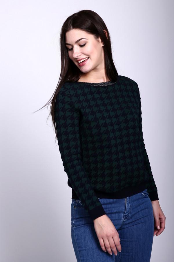 Пуловер Gerry WeberПуловеры<br>Пуловер зеленого цвета фирмы Gerry Weber. Ткань состоит из 100% хлопка. Модель выполнена прямым покроем. Пуловер дополнен овальным воротом, втачным, длинным рукавом. Нижняя часть пуловера и спинка выполнены из ткани черного цвета. Прекрасное дополнение к брюкам.
