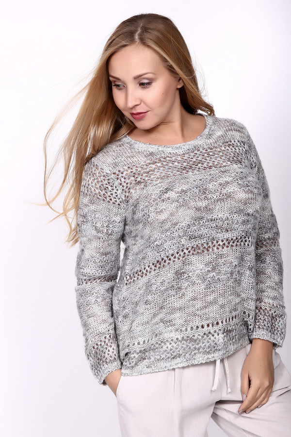 Пуловер Betty BarclayПуловеры<br>Пуловер серого цвета фирмы Betty Barclay. Ткань состоит из 22% полиакрила, 55% полиэстера, 16% полиамида и 7% мохера. Модель выполнена прямым покроем. Пуловер дополнен округлым воротом, втачным, длинным рукавом. Вязаный пуловер изготовлен разными по рисунку полосами. Такая модель не сковывает в движении. Можно одеть по разным поводам и гармонировать будет с брюками.