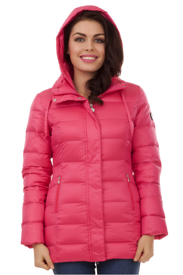 Пуховик EA7Пуховики<br>Пуховая куртка от бренда EA7 приталенного кроя выполнена из легкого приятного на ощупь материала ярко розового цвета. Изделие дополнено: капюшоном, воротником-стойка с регулируемым шнурком, застежкой-молния с ветрозащитной планкой на кнопках и двумя боковыми карманами на молнии.   Утеплитель 95% пух, 5% перо.<br><br>Размер RU: 48-50<br>Пол: Женский<br>Возраст: Взрослый<br>Материал: полиамид 100%<br>Цвет: Розовый