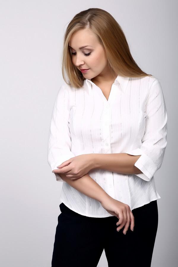 Блузa SteilmannБлузы<br>Блуза белого цвета, прямого покроя. Модель дополнена отложным воротом на стойке с застежкой на пуговицы. Рукав 3/4 длины заканчиваются манжетой с разрезом. Низ изделия обшит полукругом, по бокам находятся небольшие разрезы. Блуза может стать прекрасным дополнением для делового костюма.<br><br>Размер RU: 48<br>Пол: Женский<br>Возраст: Взрослый<br>Материал: эластан 3%, полиэстер 35%, хлопок 62%<br>Цвет: Белый