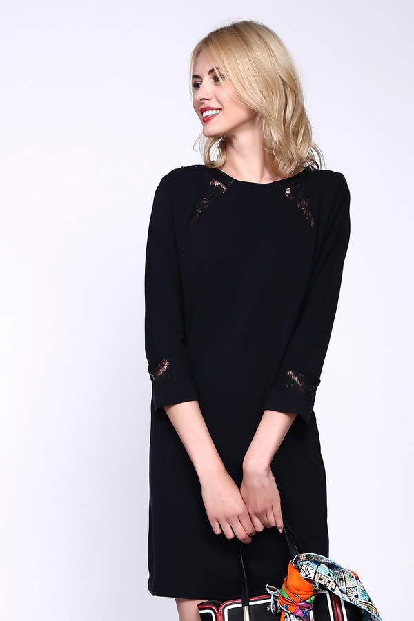 Платье PezzoПлатья<br>Черное платье от бренда Pezzo прямого силуэта. Модель выполнена из приятного материала. Изделие дополнено круглым вырезом с застежкой на крючок-петля и укороченными руками. Ворот и манжеты декорированы вставками из кружева в цвет изделия. Идеальный выбор для торжественного мероприятия или свидания.<br><br>Размер RU: 46<br>Пол: Женский<br>Возраст: Взрослый<br>Материал: вискоза 68%, полиуретан 100%, нейлон 26%, спандекс 6%, Состав_отделка нейлон 100%<br>Цвет: Чёрный
