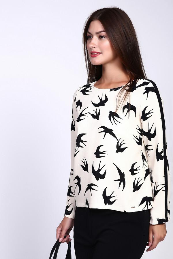 Блузa CinqueБлузы<br>Блуза женская белого цвета фирмы Cinque. Модель выполнена прямым покроем. Изделие дополнено округлым воротом, задняя застежка молния, втачными, длинными рукавами. Ткань имеет принт. Состав ткани: 100% полиэстер. Гармонировать можно с различными брюками, юбками.