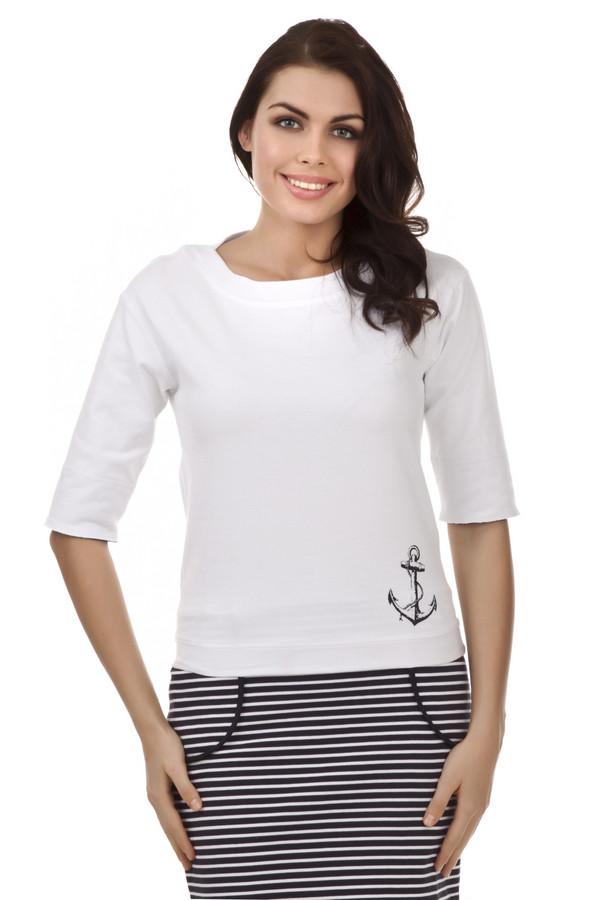 Футболка Just ValeriФутболки<br>Белая футболка в морском стиле от бренда Just Valeri прямого кроя выполнена из плотного хлопка. Изделие дополнено круглым вырезом и короткими рукавами. Футболка декорирована принтом в виде якоря. В комплект к футболке подходит  юбка от бренда Just Valeri .<br><br>Размер RU: 42<br>Пол: Женский<br>Возраст: Взрослый<br>Материал: хлопок 100%<br>Цвет: Белый