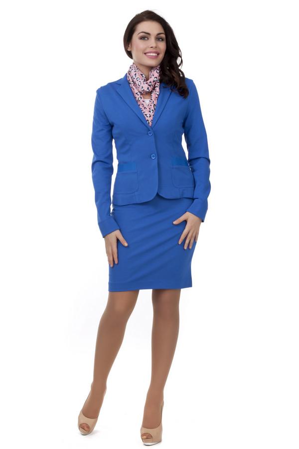 Юбка Just ValeriЮбки<br>Женственная синяя юбка Just Valeri прилегающего кроя. Изделие дополнено эластичным поясом. Юбка выполнена из высококачественного материала приятного на ощупь. Идеально сочетается с  жакетом Just Valeri .<br><br>Размер RU: 40<br>Пол: Женский<br>Возраст: Взрослый<br>Материал: вискоза 68%, нейлон 26%, спандекс 6%<br>Цвет: Синий