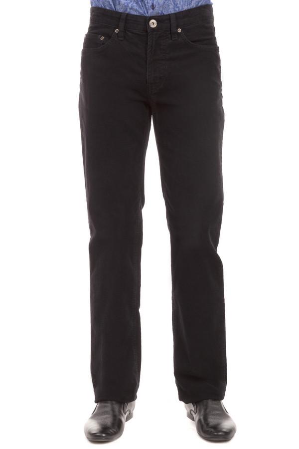 Брюки PezzoБрюки<br>Вельветовые мужские брюки Pezzo представлены в двух цветах, темно-синий и коричневый. Модель дополнена пятью стандартными карманами и шлевками для ремня. Изделие застегивается на молнию и фиксируется на пуговицу.<br><br>Размер RU: 50<br>Пол: Мужской<br>Возраст: Взрослый<br>Материал: эластан 1%, хлопок 99%<br>Цвет: Коричневый