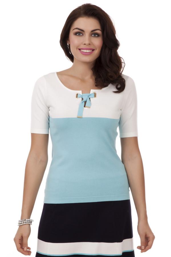 Пуловер PezzoПуловеры<br>Пуловер для женщин. Это пуловер бренда Pezzo, который пошит из вискозы с добавлением нейлона. У данной модели глубокий круглый вырез на завязках голубого цвета и короткий рукав длиной до середины плеча. Верх изделия выполнен в белом цвете, а низ в голубом.<br><br>Размер RU: 52<br>Пол: Женский<br>Возраст: Взрослый<br>Материал: вискоза 80%, нейлон 20%<br>Цвет: Разноцветный