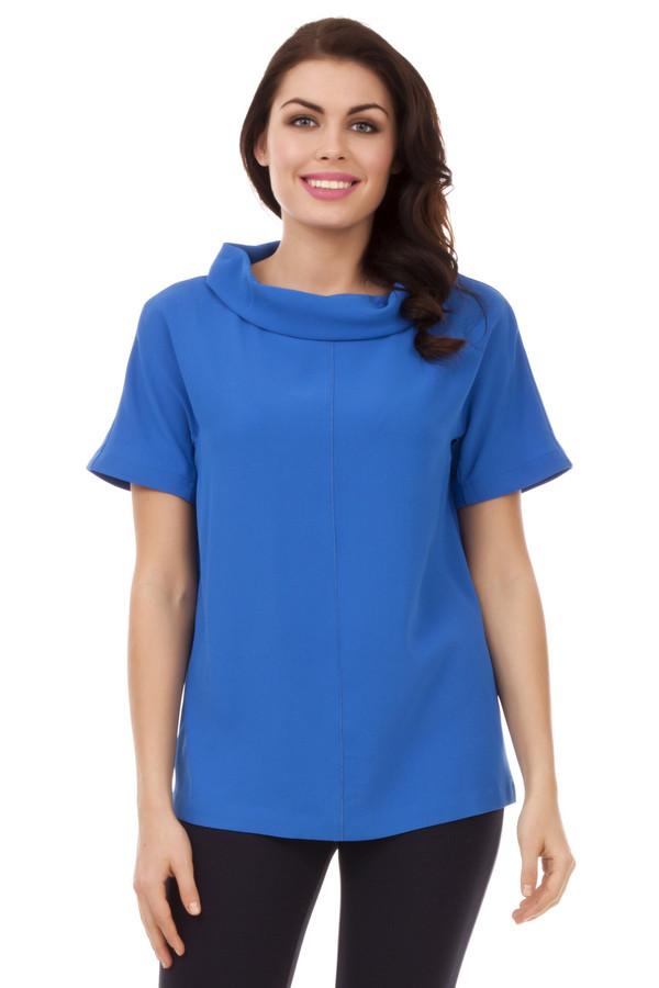Блузa PezzoБлузы<br>Яркая синяя блуза Pezzo свободного кроя. Изделие дополнено: воротником-хомут и короткими рукавами. Блуза добавит яркости повседневному образу и прекрасно будет смотреться с  брюками .<br><br>Размер RU: 42<br>Пол: Женский<br>Возраст: Взрослый<br>Материал: полиэстер 100%<br>Цвет: Синий