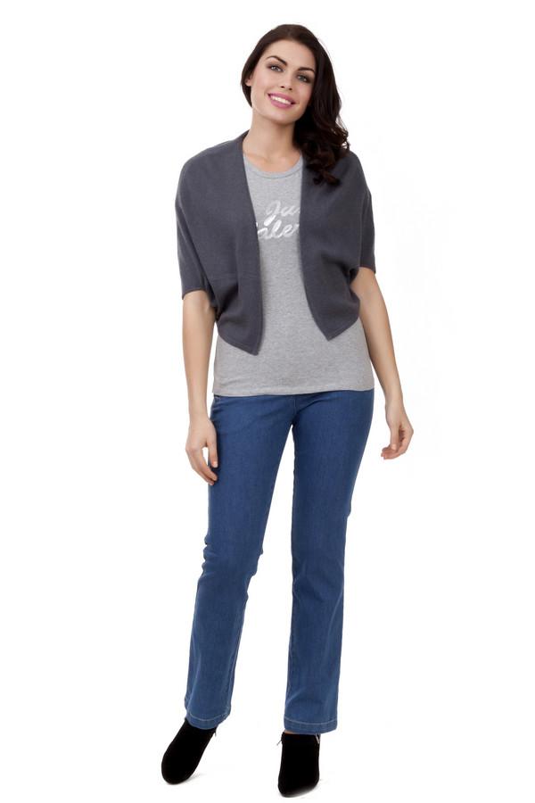 Классические джинсы PezzoКлассические джинсы<br>Расклешенные джинсы Pezzo выполнены из денима синего цвета. Изделие дополнено боковыми карманами на молнии.<br><br>Размер RU: 46<br>Пол: Женский<br>Возраст: Взрослый<br>Материал: эластан 3%, полиэстер 22%, хлопок 75%<br>Цвет: Синий