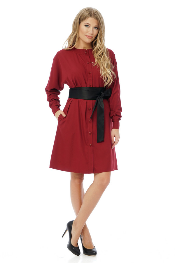 Платье GlossПлатья<br><br><br>Размер RU: 42<br>Пол: Женский<br>Возраст: Взрослый<br>Материал: вискоза 15%, полиэстер 85%<br>Цвет: Красный