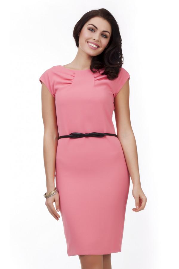 Вечернее платье PezzoВечерние платья<br>Женственное пурпурно-розовое платье Pezzo приталенного кроя. Изделие дополнено: вырезом-лодочка, рукавом-крылышко и тонким черным ремешком из искусственной кожи подчеркивающим линию талии.<br><br>Размер RU: 44<br>Пол: Женский<br>Возраст: Взрослый<br>Материал: полиэстер 100%<br>Цвет: Розовый