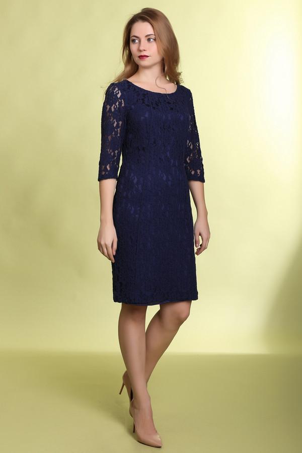 Вечернее платье PezzoВечерние платья<br>Темно-синие кружевное платье Pezzo прилегающего кроя. Изделие дополнено: круглым вырезом, рукавами 3/4 и застежкой-молния на спинке. Идеально подходит для вечернего образа.<br><br>Размер RU: 44<br>Пол: Женский<br>Возраст: Взрослый<br>Материал: хлопок 70%, нейлон 30%<br>Цвет: Синий