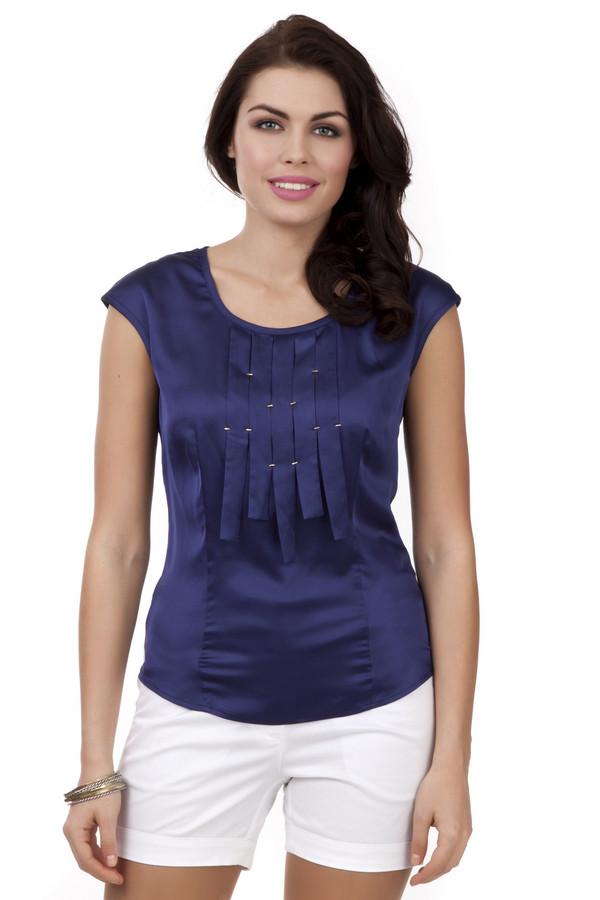 Блузa PezzoБлузы<br>Женственная темно-синяя блуза Pezzo приталенного кроя. Изделие дополнено: u-образным вырезом, короткими рукавами и скрытой молнией на спинке. Блуза декорирована оригинальными складками с фурнитурой.<br><br>Размер RU: 42<br>Пол: Женский<br>Возраст: Взрослый<br>Материал: полиэстер 97%, спандекс 3%<br>Цвет: Синий