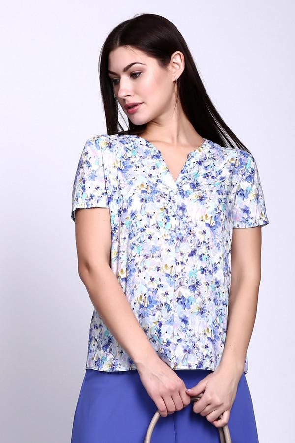 Блузa Gerry WeberБлузы<br>Блуза голубого цвета фирмы Gerry Weber. Ткань состоит из 100% вискозы. Модель выполнена прямым покроем. Блуза дополнена округлым воротом с V - образным разрезом, втачным, коротким рукавом, кокеткой, расположенной на задней половине. Подшита блуза полукругом с боковыми выемками. Модель имеет разноцветный принт. Такую блузу можно использовать для различных мероприятий. Гармонировать будет с расклешенными юбками.