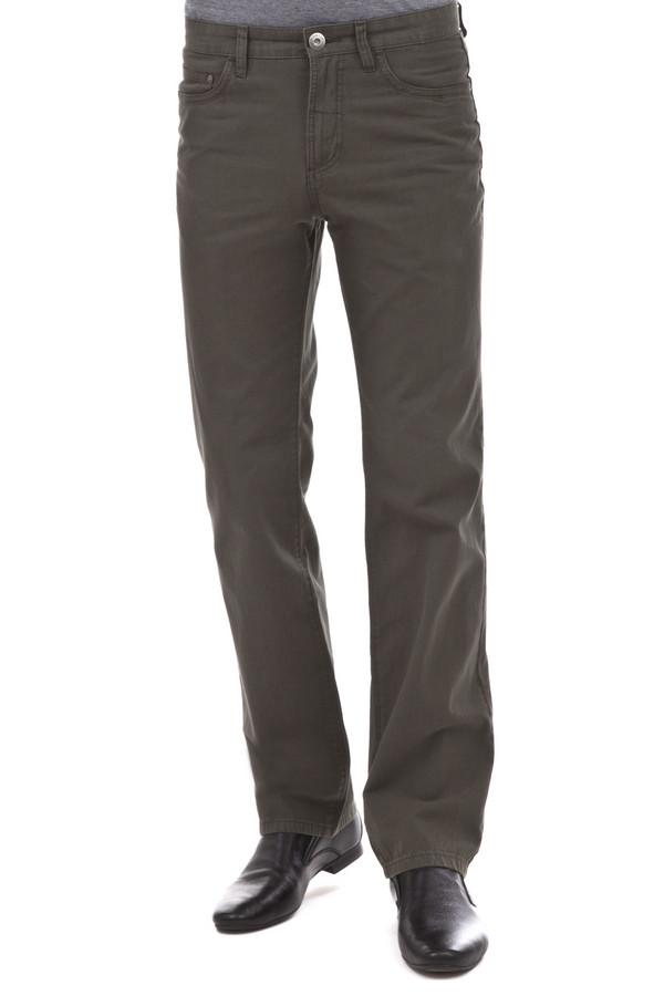 Классические джинсы PezzoКлассические джинсы<br>Мужские джинсы Pezzo цвета хаки прямого кроя. Модель дополнена пятью стандартными карманами и шлевками для ремня. Изделие застегивается на молнию и фиксируется на пуговицу.<br><br>Размер RU: 52К<br>Пол: Мужской<br>Возраст: Взрослый<br>Материал: хлопок 100%<br>Цвет: Зелёный