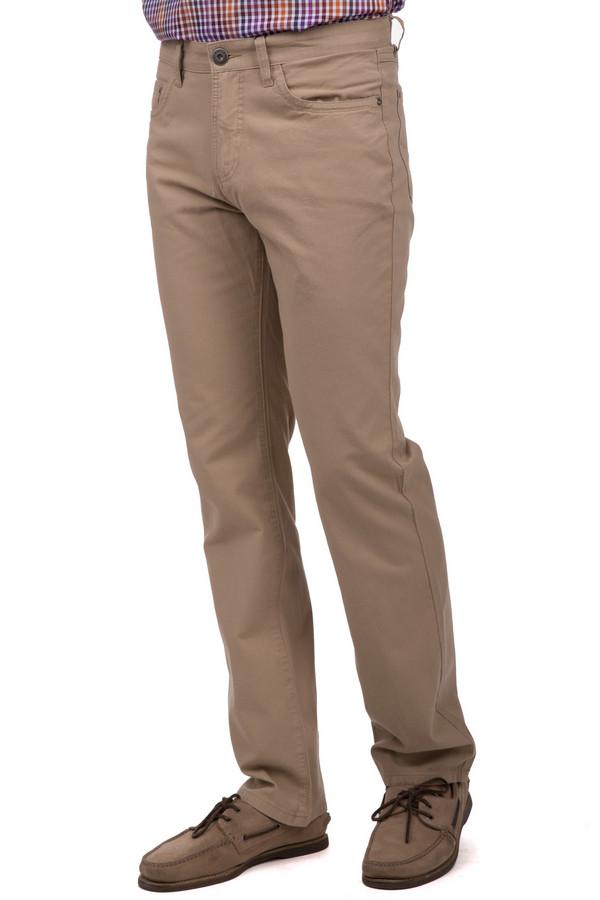 Брюки PezzoБрюки<br>Мужские джинсы Pezzo бежевого цвета прямого кроя. Модель дополнена пятью стандартными карманами и шлевками для ремня. Изделие застегивается на молнию и фиксируется на пуговицу.<br><br>Размер RU: 48<br>Пол: Мужской<br>Возраст: Взрослый<br>Материал: хлопок 100%<br>Цвет: Бежевый
