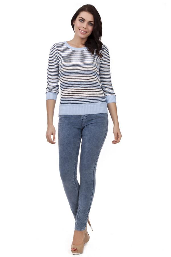 Модные джинсы Just ValeriМодные джинсы<br>Женские вельветовые джинсы-скинни Just Valeri представлены в серо-голубом цвете. Изделие дополнено: пятью стандартными карманами и шлевками для ремня. Джинсы застегиваются на молнию и фиксируются на пуговицу.<br><br>Размер RU: 44<br>Пол: Женский<br>Возраст: Взрослый<br>Материал: эластан 2%, полиэстер 22%, хлопок 76%<br>Цвет: Голубой