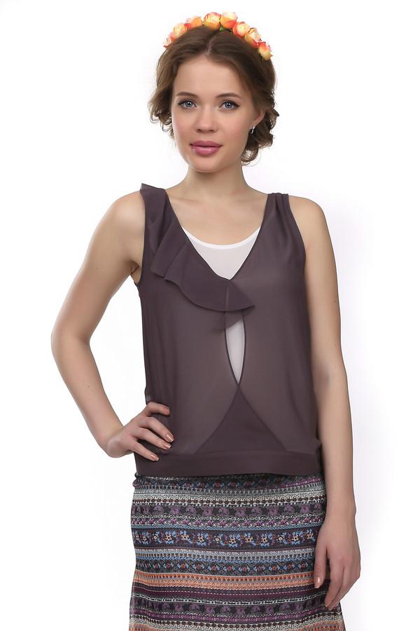 Блузa Just ValeriБлузы<br>Легкая прозрачная коричневая блуза Just Valeri свободного кроя с эффектом многослойности. Изделие дополнено: круглым вырез и рюшей на вороте.<br><br>Размер RU: 42<br>Пол: Женский<br>Возраст: Взрослый<br>Материал: полиэстер 100%<br>Цвет: Коричневый