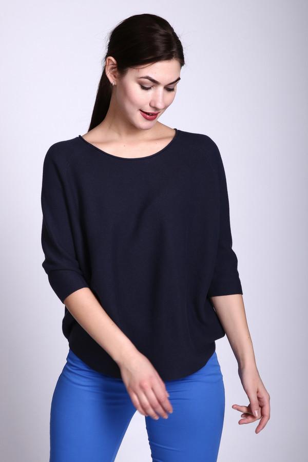 Пуловер Just ValeriПуловеры<br>Пуловер синего цвета фирмы Just Valeri. Ткань состоит из 100% хлопка. Модель выполнена прямым покроем. Пуловер дополнен округлым воротом, рукавом - реглан 3/4 длины. Такая модель скрывает особенности вашей фигуры и позволяет найти свой стиль. Гармонировать может с облегающими брюками.