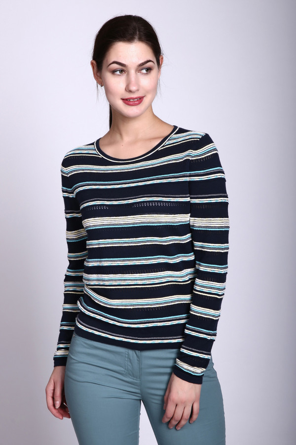 Пуловер PezzoПуловеры<br>Пуловер синего цвета фирмы Pezzo. Ткань состоит из 44% вискозы 56% хлопка. Модель выполнена прямым покроем. Пуловер дополнен округлым воротом, втачным, длинным рукавом. Пуловер имеет полосатый принт. Классический покрой Пуловера позволяет двигаться свободно и будет гармонировать с различными деталями вашего гардероба.