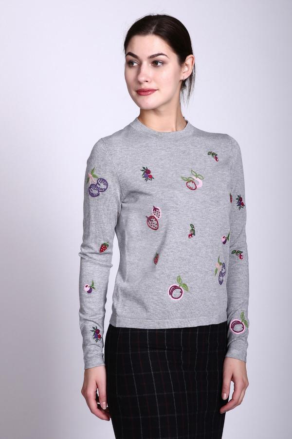 Пуловер PezzoПуловеры<br>Пуловер серого цвета фирмы Pezzo. Ткань состоит из 80% вискозы и 20% нейлона. Модель выполнена прямым покроем. Изделие дополнено круглым воротом, длинным рукавом. Гармонировать будет с узкими юбками и облегающими брюками.