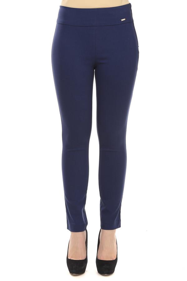 Брюки PezzoБрюки<br>Женские брюки-скинни от бренда Pezzo темно-синего цвета. Это брюки средней посадки с боковой молнией. Благодаря составу материала из которого они пошиты, брюки хорошо тянутся и плотно сидят по фигуре. Они хорошо смотрятся с любыми блузами и кофтами.<br><br>Размер RU: 42<br>Пол: Женский<br>Возраст: Взрослый<br>Материал: нейлон 33%, хлопок 64%, спандекс 3%<br>Цвет: Синий