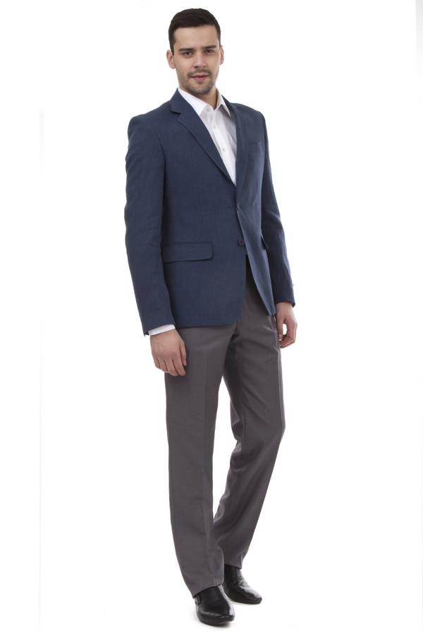 Классические брюки PezzoКлассические брюки<br>Мужские брюки от бренда Pezzo темно-серого цвета. Покрой этих брюк классический со средней посадкой. Изделие дополнено: поясом с шлевками для ремня, двумя боковыми карманами, двумя прорезными карманами с пуговицами и классическими стрелками. Центральная застежка-молния с крючком-петля и пуговицей. Это отличная альтернатива костюмным черным брюкам. Они идеально сочетаются с различными рубашками.<br><br>Размер RU: 50<br>Пол: Мужской<br>Возраст: Взрослый<br>Материал: вискоза 20%, полиэстер 80%<br>Цвет: Серый