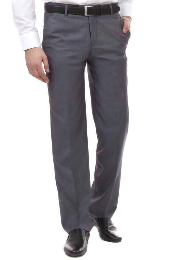 Классические брюки PezzoКлассические брюки<br>Мужские классические брюки от бренда Pezzo темно-серого цвета. Эти брюки средней посадки. Изделие дополнено: поясом с шлевками для ремня, двумя боковыми карманами, двумя прорезными карманами с пуговицами и классическими стрелками. Центральная застежка-молния с крючком-петля и пуговицей. Хорошо будут смотреться с рубашкой и пиджаком.<br><br>Размер RU: 54<br>Пол: Мужской<br>Возраст: Взрослый<br>Материал: вискоза 20%, полиэстер 80%<br>Цвет: Серый