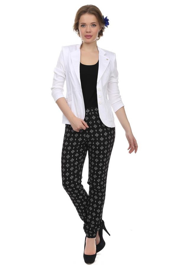 Брюки PezzoБрюки<br>Легкие женские брюки от бренда Pezzo. Эти брюки сшиты по свободному крою, и дополнены резинкой на поясе, а также парой резинок в нижней части брюк. Изделие выполнено в черном цвете, с квадратными узорами белого цвета.<br><br>Размер RU: 44<br>Пол: Женский<br>Возраст: Взрослый<br>Материал: полиэстер 100%<br>Цвет: Чёрный