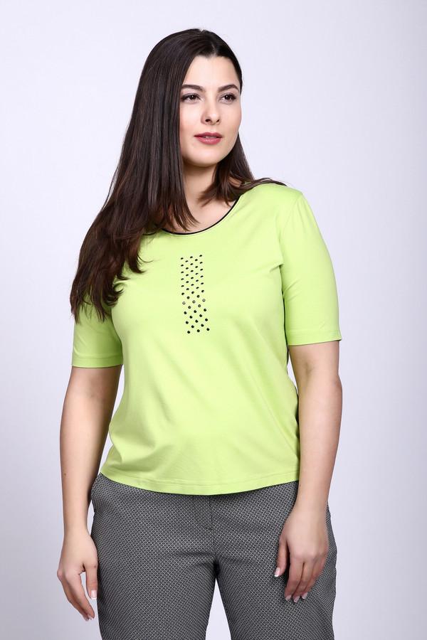 Футболка Eugen KleinФутболки<br>Футболка зеленого цвета фирмы Eugen Klein. Ткань состоит из 7% эластана и 93% вискозы. Модель выполнена прямым покроем. Футболка дополнена округлым воротом, коротким, втачным рукавом, на грудной части расположен орнамент. В теплое время года футболки очень удобны, а футболки светлых тонов еще и привлекательны.<br><br>Размер RU: 52<br>Пол: Женский<br>Возраст: Взрослый<br>Материал: вискоза 93%, эластан 7%<br>Цвет: Зелёный