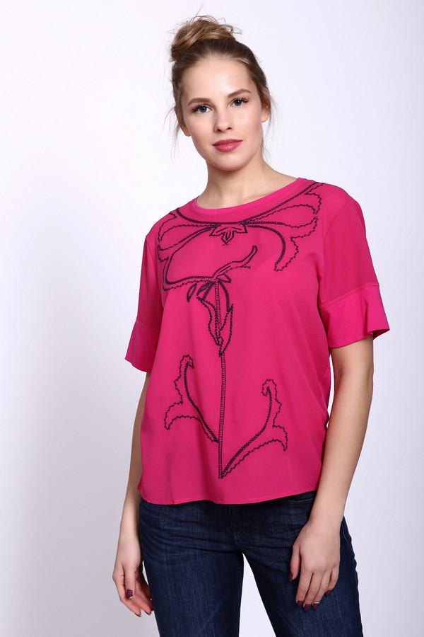 Футболка PezzoФутболки<br>Футболка женская розового цвета фирмы Pezzo. Модель выполнена прямым фасоном. Изделие дополнено округлым воротом, короткими рукавами. Передняя часть футболки украшена вышивкой из нитей синего цвета. Ткань состоит из 50% хлопка, 50% модал. Состав ткани 2: 100% полиэстер. Сочетать можно с различными брюками.