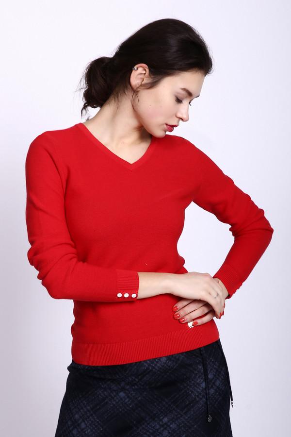 Пуловер PezzoПуловеры<br>Пуловер женский красного цвета фирмы Pezzo. Модель выполнена прямым фасоном. Изделие дополнено округлым воротом с V - образным вырезом, втачными, длинными рукавами с манжетами. Манжеты декорированы пуговицами, Окружность ворота и вырез обшиты двойной вязаной резинкой. Ткань состоит из 100% хлопка. Сочетать можно с различными юбками, брюками.