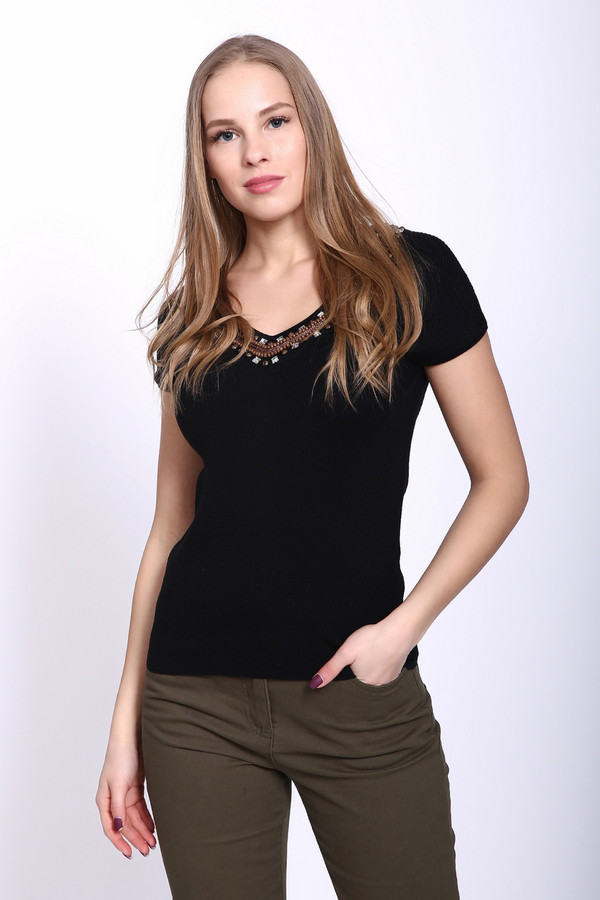 Пуловер PezzoПуловеры<br><br><br>Размер RU: 52<br>Пол: Женский<br>Возраст: Взрослый<br>Материал: акрил 42%, полиамид 16%, вискоза 42%<br>Цвет: Чёрный