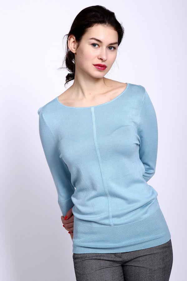 Пуловер PezzoПуловеры<br>Пуловер женский голубого цвета фирмы Pezzo. Модель выполнена прямым фасоном. Изделие дополнено округлым воротом, втачными рукавами 3/4 длинны. Низ пуловера и рукава заканчивает широкая манжета в рубчик. Ткань состоит из 81% вискозы, 19% полиамида. Сочетать можно с различными брюками, юбками.