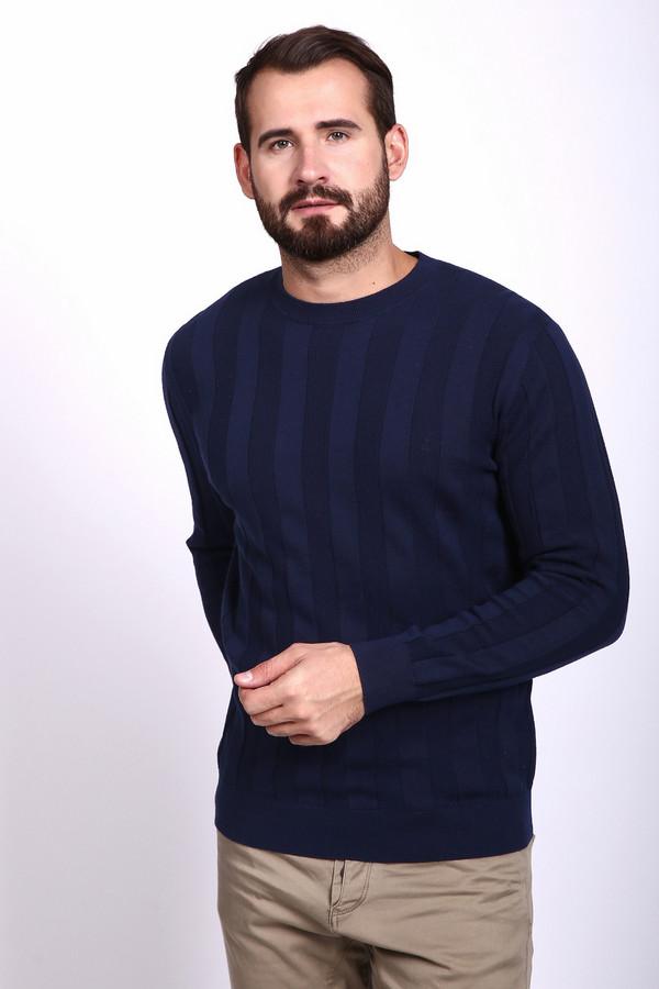 Джемпер PezzoДжемперы и Пуловеры<br>Джемпер мужской синего цвета фирмы Pezzo. Модель выполнена прямым покроем. Изделие дополнено круглым воротом, втачными, длинными рукавами. Ворот, низ и рукава заканчивает стягивающая резинка. Джемпер трикотажный изготовлен рельефной вязкой. Гармонировать может с различными брюками.