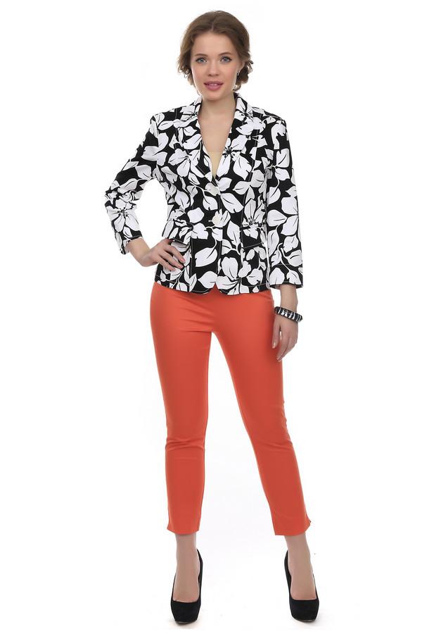 Капри PezzoКапри<br>Модные капри высокой посадки для женщин от бренда Pezzo. Это капри-скинни оранжевого цвета, пошитые из хлопка с добавлением эластана. Изделие дополнено шлевками для ремешка и скрытой застежкой-молния сбоку. Манжеты декорированы боковыми разрезами. Капри плотно сидят по фигуре.<br><br>Размер RU: 42<br>Пол: Женский<br>Возраст: Взрослый<br>Материал: эластан 3%, хлопок 97%<br>Цвет: Оранжевый