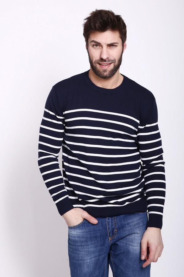 Джемпер PezzoДжемперы и Пуловеры<br>Джемпер синего цвета фирмы Pezzo. На джемпере расположены полосы белого цвета. Изделие дополнено округлым воротом, втачными, длинными рукавами. Такая модель не сковывает вас в движении. Гармонировать может с джинсами.