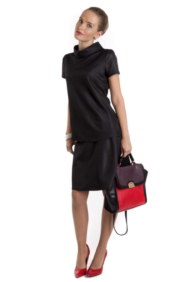 Юбка TaifunЮбки<br>Юбка Taifun черного цвета, изготовлена из 100% полиэстра. Свободная форма кроя позволяет легко подобрать под юбку блузу, свитер или футболку. Органично смотрится в официально-деловом стиле. Сзади застегивается на небольшую молнию. Такую юбку можно носить в любое время года и экспериментировать с выбором верха.<br><br>Размер RU: 44<br>Пол: Женский<br>Возраст: Взрослый<br>Материал: полиэстер 100%<br>Цвет: Чёрный