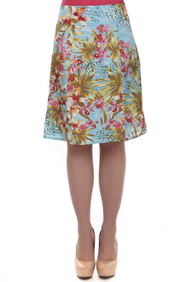 Юбка PezzoЮбки<br>Яркая летняя юбка от бренда Pezzo А-силуэта выполнена из ткани яркого голубого цвета с разноцветным цветочным принтом. Изделие дополнено боковой скрытой застежкой-молния. Идеально дополнит повседневный образ и с лёгкостью сочетается как с  топами  и  жакетами .<br><br>Размер RU: 44<br>Пол: Женский<br>Возраст: Взрослый<br>Материал: полиэстер 100%<br>Цвет: Голубой