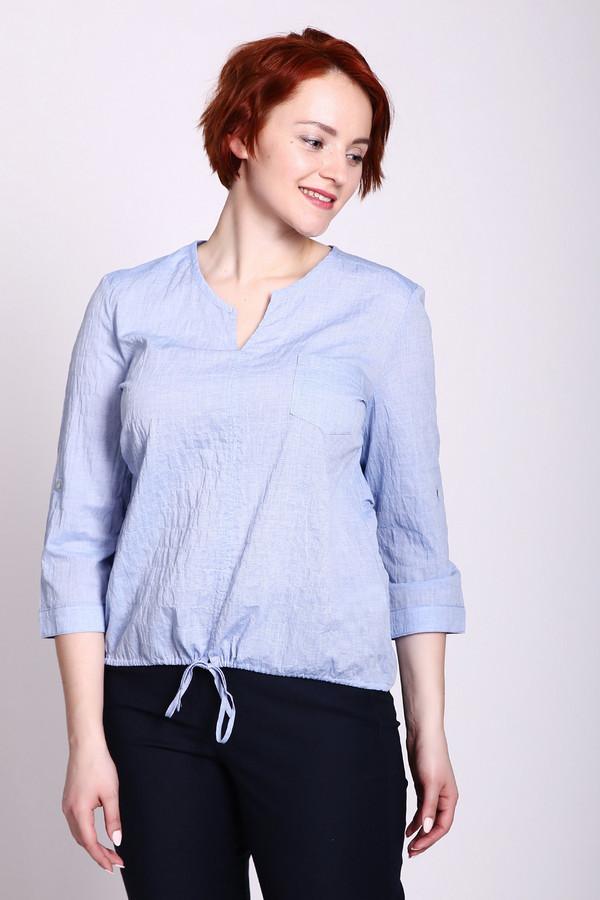 Блузa LebekБлузы<br>Блуза голубого цвета фирмы Lebek. Модель выполнена прямым покроем. Изделие дополнено округлым воротом с V - образным разрезом, втачными рукавами 3/4 длинны. Низ блузы стягивается на тесьму. Гармонировать может с различными деталями вашего гардероба.