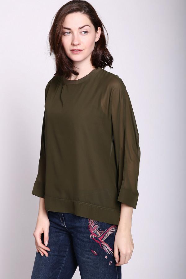 Футболка PezzoФутболки<br>Блуза зеленого цвета фирмы Pezzo. Модель выполнена кроем летучая мышь. Изделие дополнено округлым воротом, рукавами 3\4 длинны. Блуза такого цвета подчеркнет вашу фигуру. Гармонировать может с различными деталями вашего гардероба.
